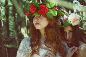 zeny s kvetinami