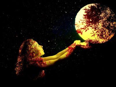 Luna v mayském vesmíru